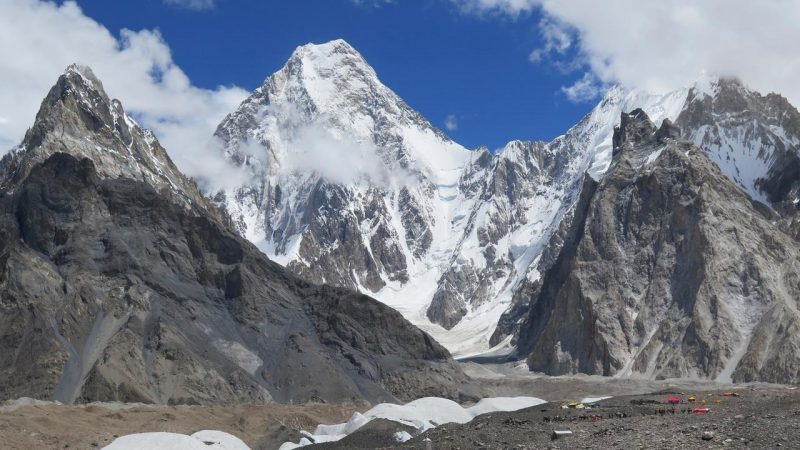 Mountain climbers reach the K2 summit for the first time during winter  right Now