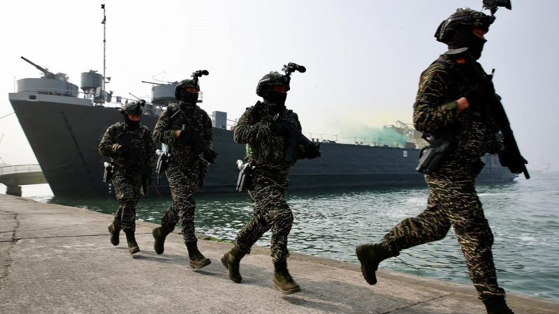 China warns Taiwan: Independence means war    right Now