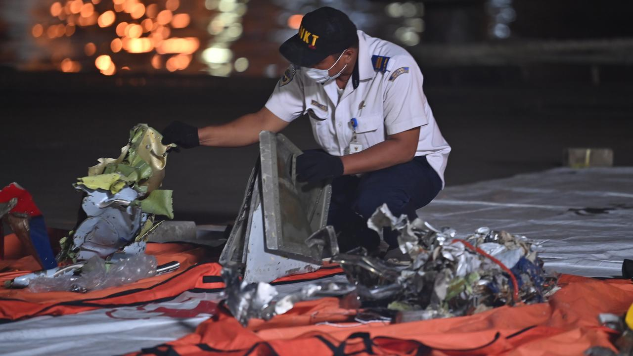 Device to find the black box crashed damaged plane |  right Now