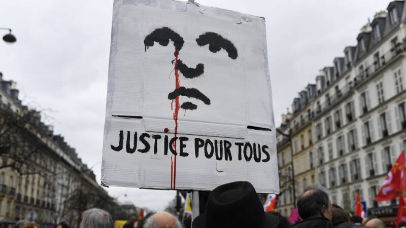 French organizations are calling for measures against ethnic profiling by the police