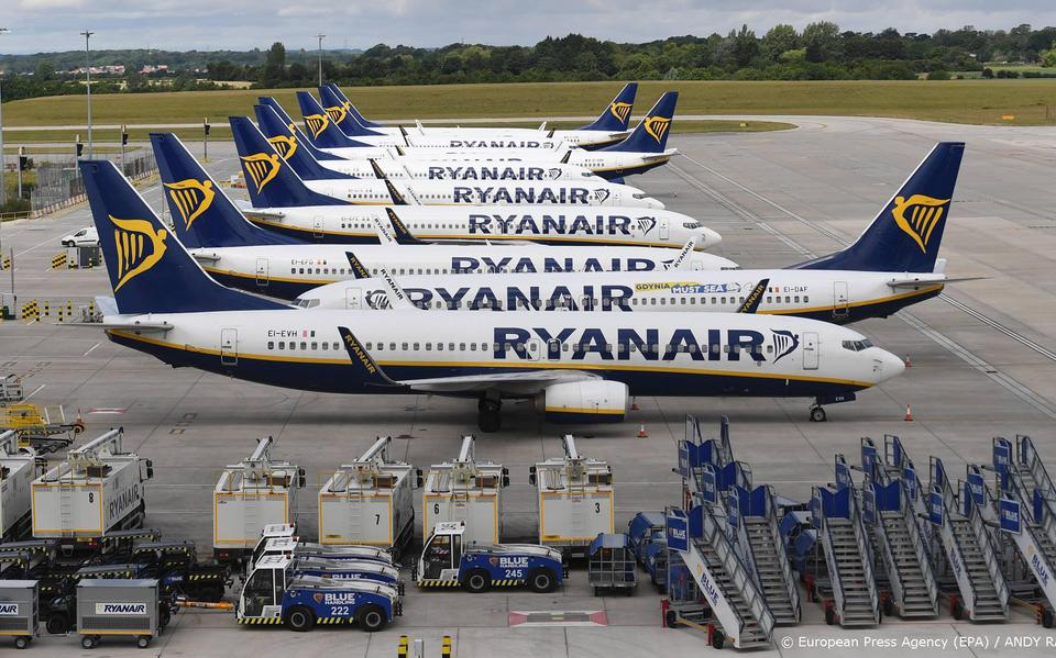 Ryanair expects to carry fewer passengers due to the new shutdowns