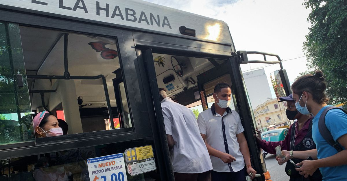 Ten teachers killed in a serious bus accident in Cuba