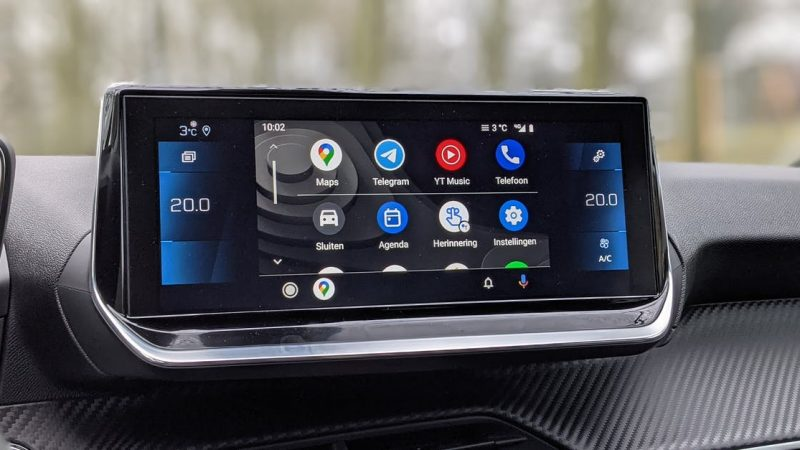 Why Android Auto reads your WhatsApp messages in poor Dutch