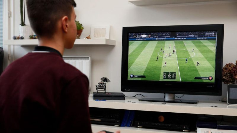 Electronic Arts renews its partnership with UEFA |  right Now