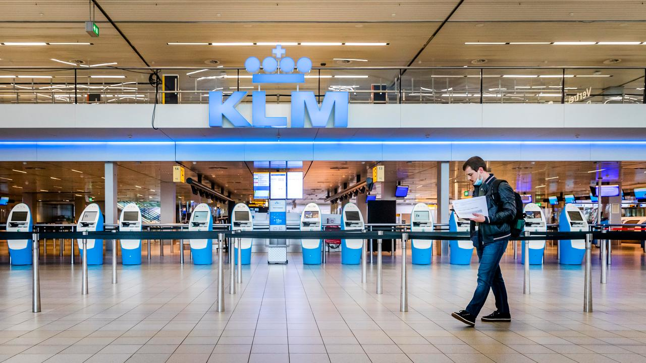 Every day nearly five hundred passengers travel from the United Kingdom to the Netherlands  right Now