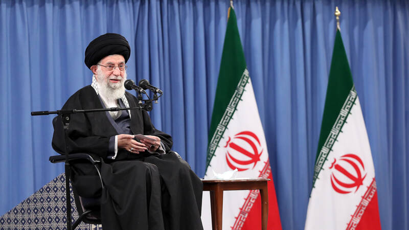 Khamenei: Iran will not comply with the nuclear agreements if US sanctions remain