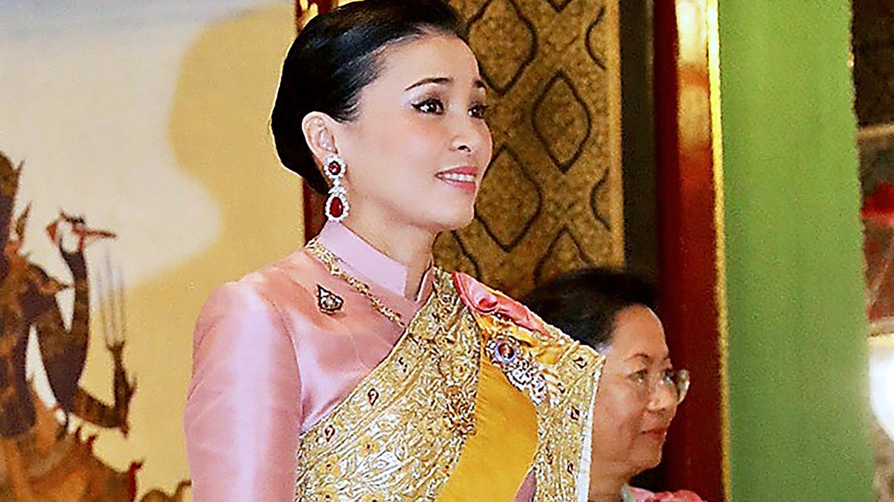 King of Thailand threatens to expel his wife  right Now