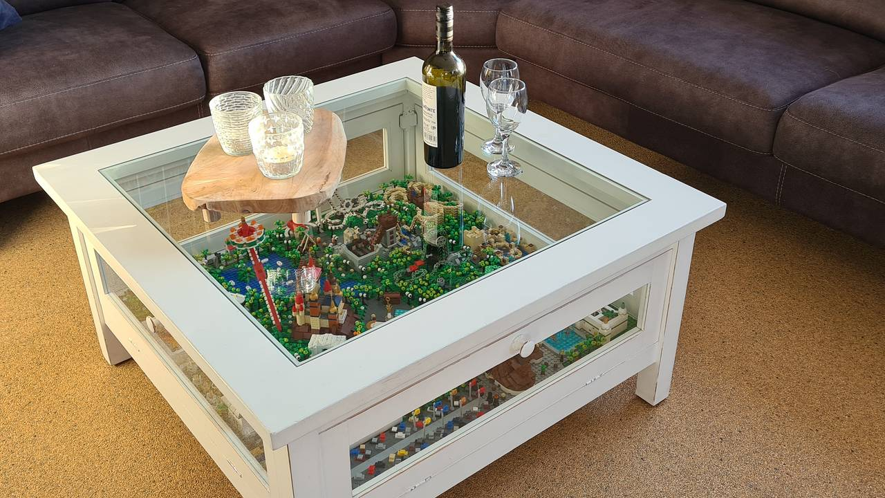 "Lego coffee table filled with Efteling icons that make the internet drool: ""It's a work of art"""