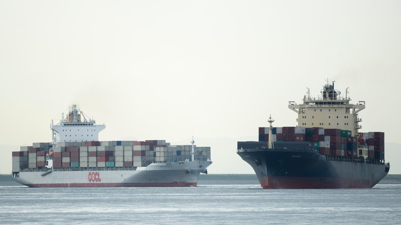 Sailor escaped 14 hours in the Pacific Ocean after falling from a cargo ship  Currently