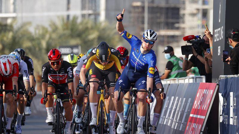 Sam Bennett won the 4th round UAE tour, Decker was second