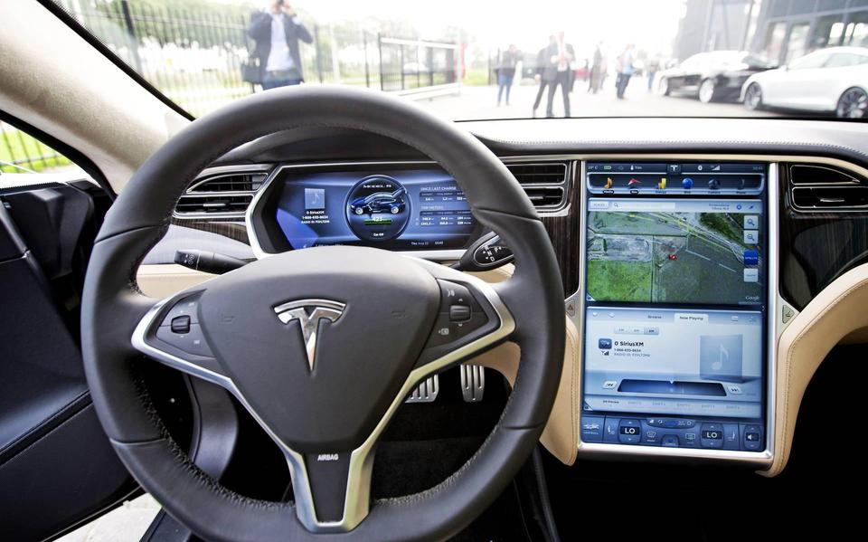 Tesla recalls 135,000 cars and blames Nvidia