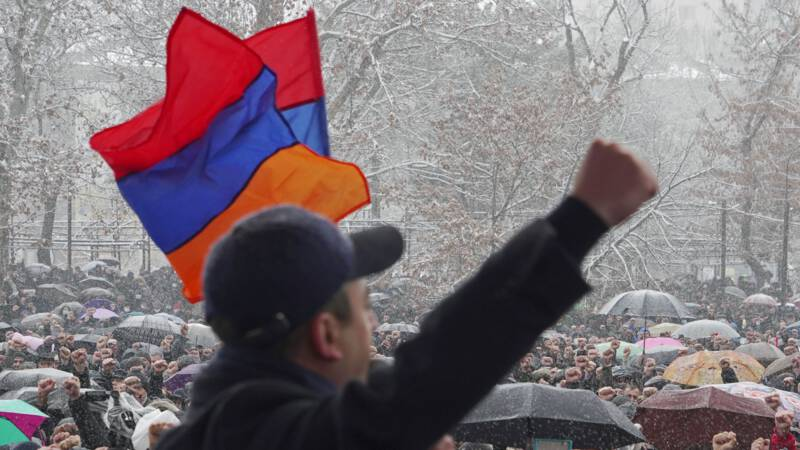 The Armenian army demands the government to leave and the Prime Minister dismisses the army chief