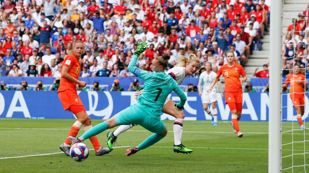 The women of orange soccer will train against world champion USA