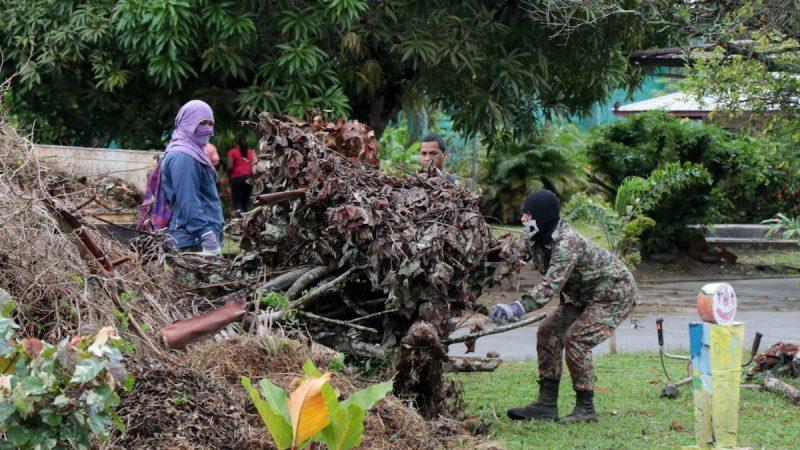 Defensie ondersteunt bejaardentehuis Ashiana met onderhoud terrein