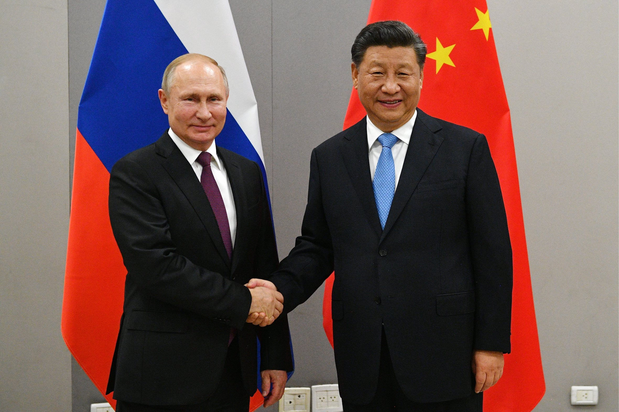 An agreement with Iran and an agreement with Russia: China now shows the West that it has friends of its own