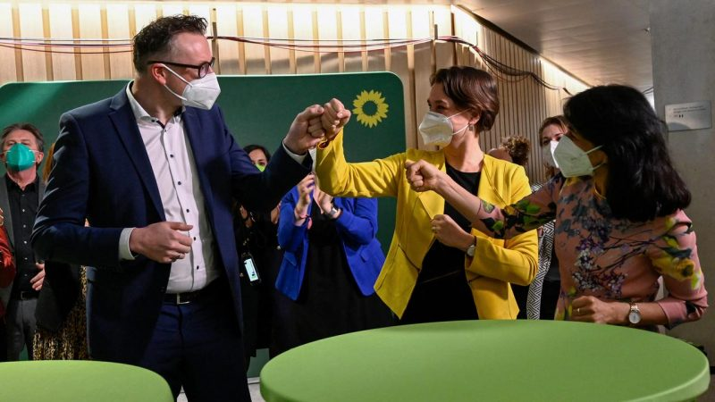 Chancellor Merkel's Christian Democratic Union loses in German state elections    Currently