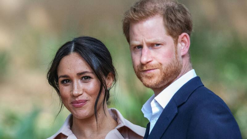 """Fighting rages between Buckingham Palace, Harry and Meghan, and the """"Company"""" is under attack"""