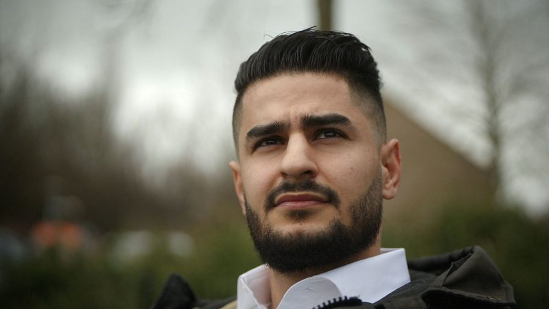 Mazloum, 26, has lived in the Netherlands for 22 years but does not obtain a passport: `` I am in a process without a way out ''