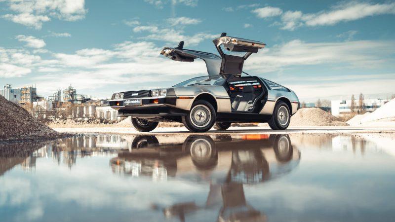 Back to the Future, DeLorean DMC-12