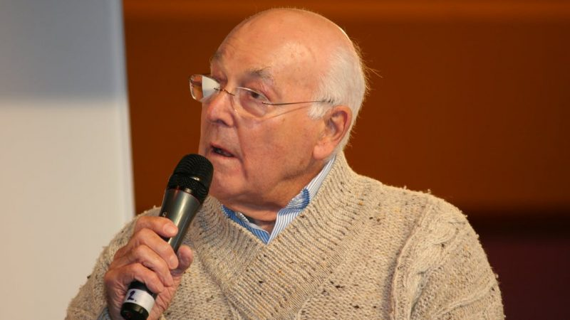 Walker, the most famous Formula 1 commentator, passed away at the age of 97