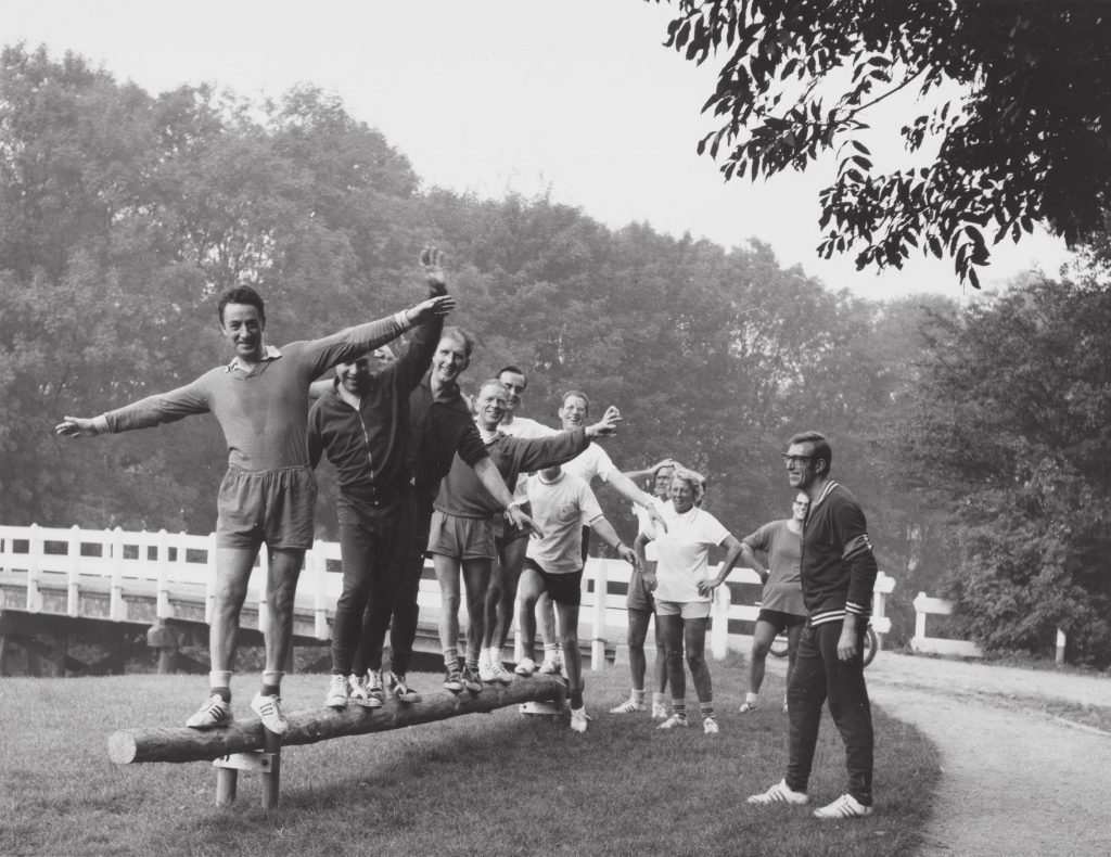 Fifty years ago, everyone suddenly went to the running track