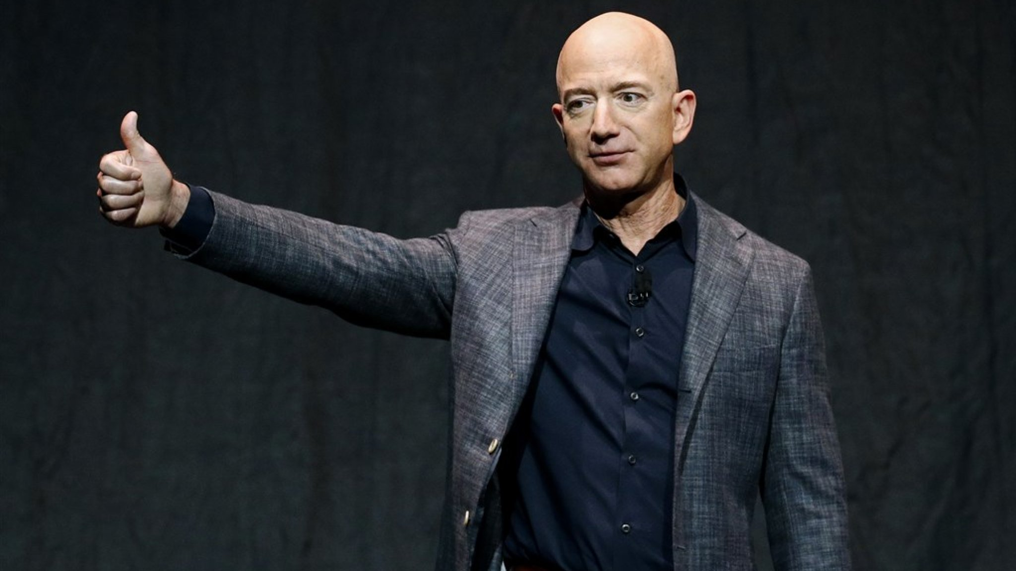 Amazon CEO 'supports raising taxes for companies'