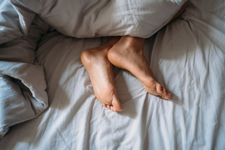 Early sleep pays off: Lack of sleep in middle age increases the risk of developing dementia