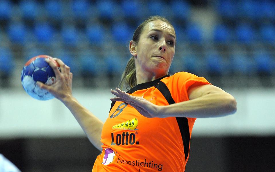 Handball players Estavana Polman and Yvette Broch make a good impression on their return to the Dutch national team