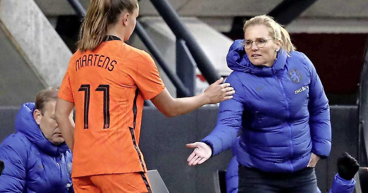 Hot pull of orange lionesses at the Olympics |  football