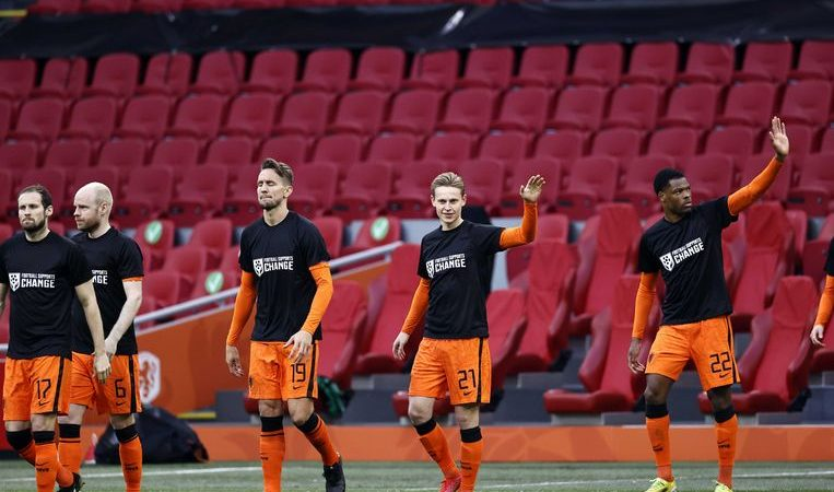 Hundreds of professional soccer players from the Netherlands pitted against Qatar