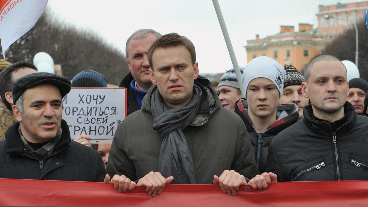 Navalny's supporters take to the streets again in Russia, arresting at least a thousand people |  right Now
