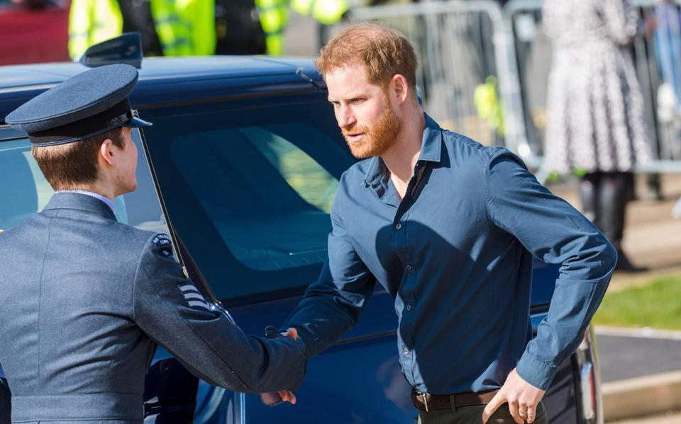 'Prince Harry returns to UK'