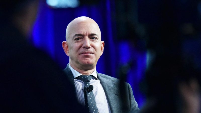 Space company Jeff Bezos protests NASA's choice of SpaceX |  right Now