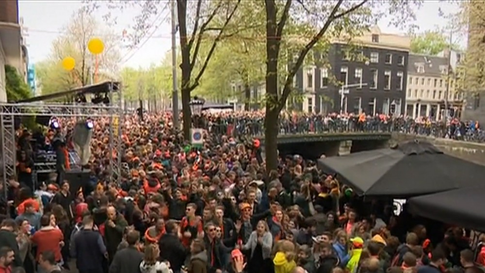 The VVD Youth Branch believes that the municipality should organize King's Day parties