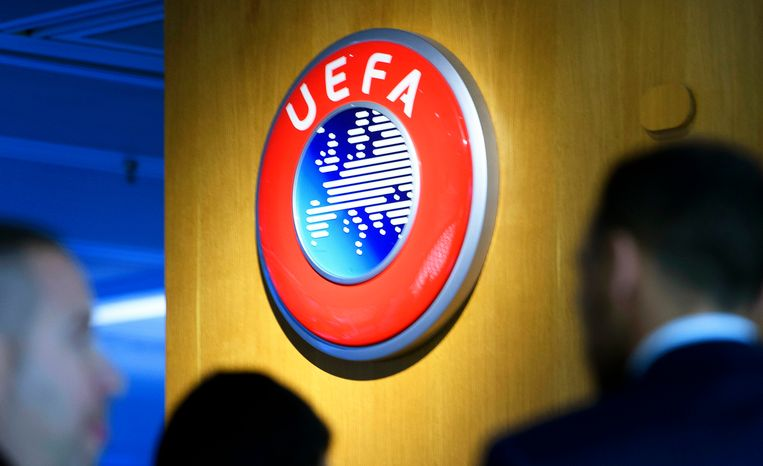 Twelve major European teams held the Premier League, contrary to UEFA's wishes