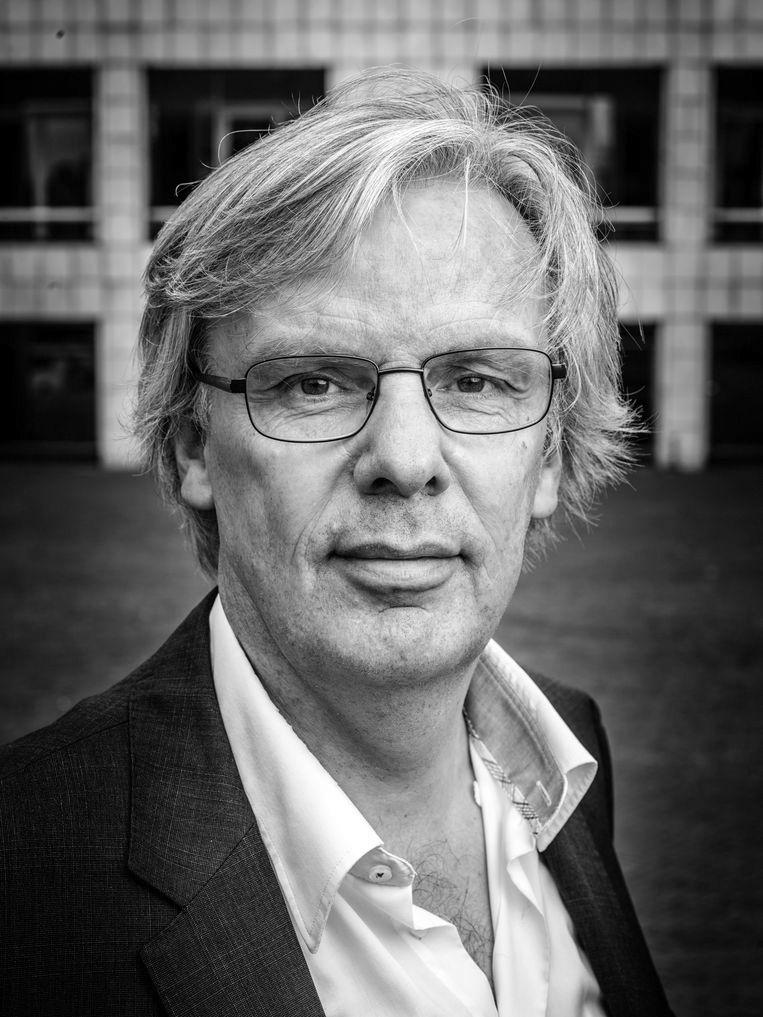 Ari Zormond is the Ombudsman for the Amsterdam metropolitan area.  statue