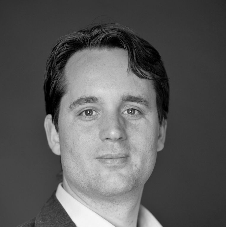 Scott Douglas is Director of the Audit Office of the Municipality of Almere and Public Administration at Utrecht University.  statue