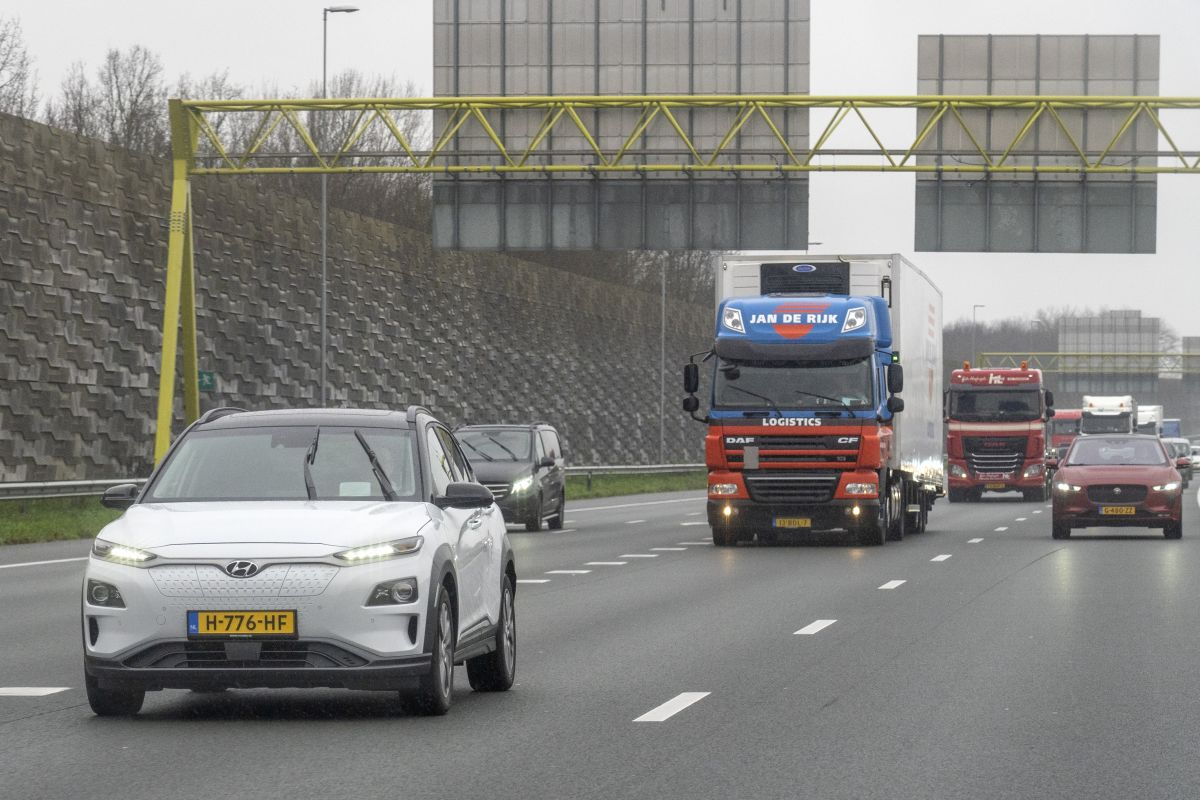 """The Dutch among European motorists"""