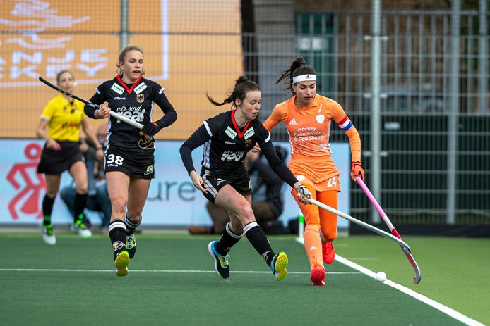 Eva de Goede during the Netherlands - Germany match in the FIH Pro League at Wagener Stadium.