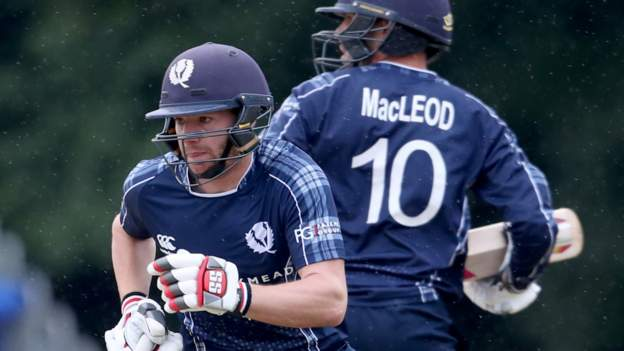 Scotland lost to the Netherlands by 14 points, with Max O'Dowd scoring 82 points in Rotterdam.