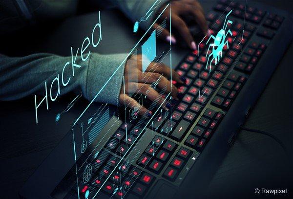 Criminals steal phones via fake text messages