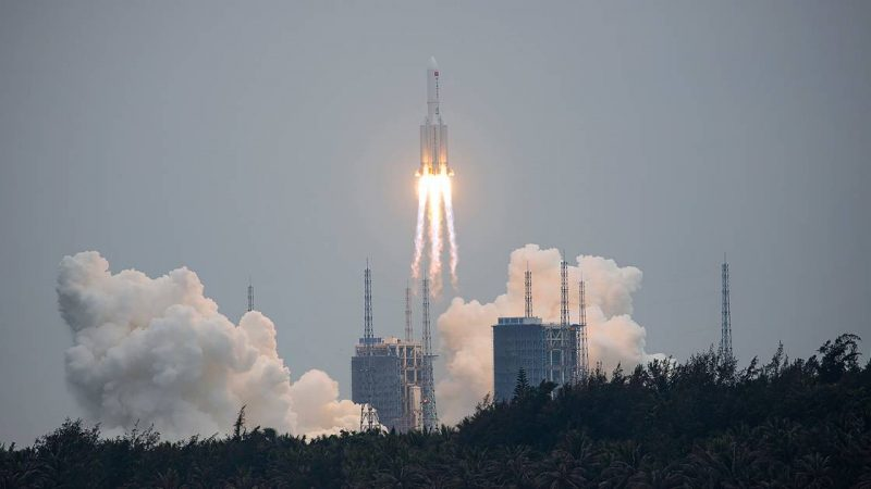 Chinese missile drops 'uncontrolled' toward Earth    Science
