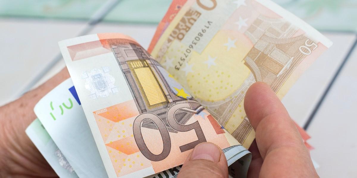 Currency: Euro chooses sideways