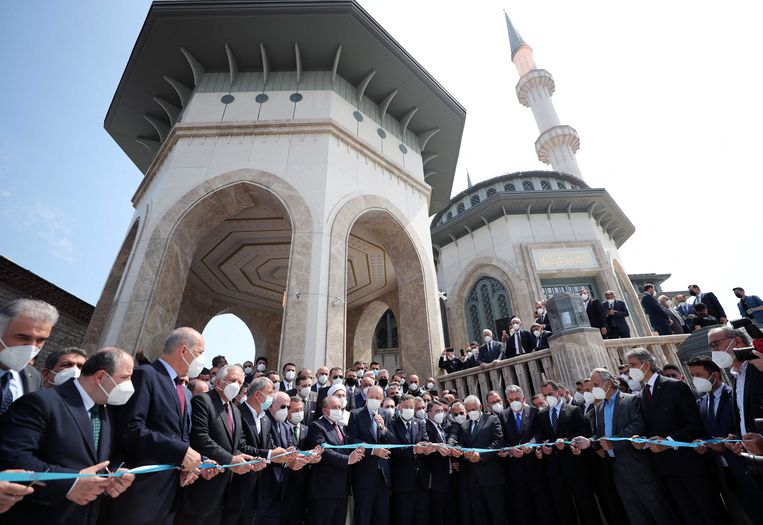 Erdoan now has his mosque on Taksim Square