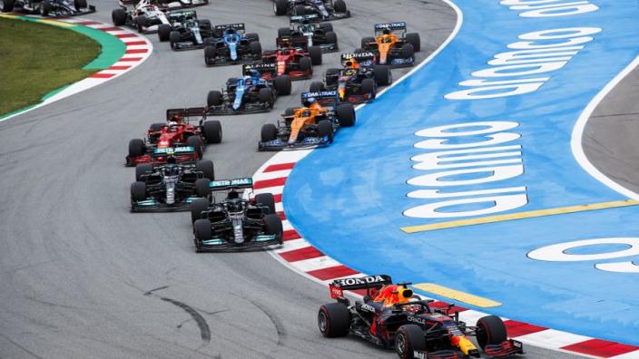 "Hamilton left room for Verstappen in turn 1: ""Not a sprint, but a marathon"""