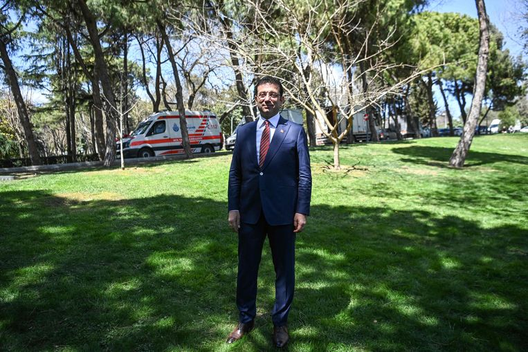 Prosecutors are calling for the Mayor of Istanbul to be imprisoned for insulting the Electoral Council