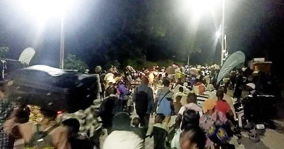 Tens of thousands of people fled a new volcanic eruption in Goma  abroad
