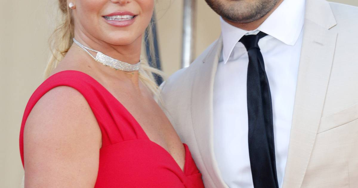Britney Spears' girlfriend motivates her to file a lawsuit  show