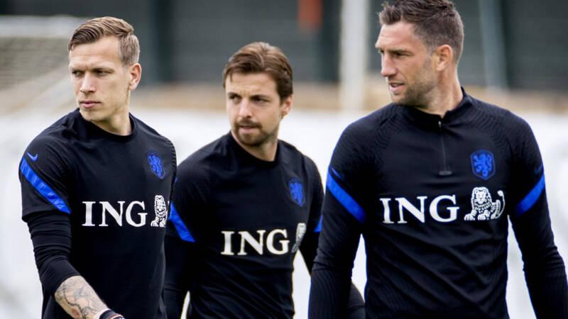 De Boer announces jersey numbers: Stekelenburg gets No. 1