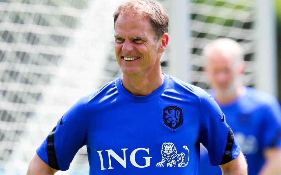 Former international Mathiesen: A wise choice by de Boer
